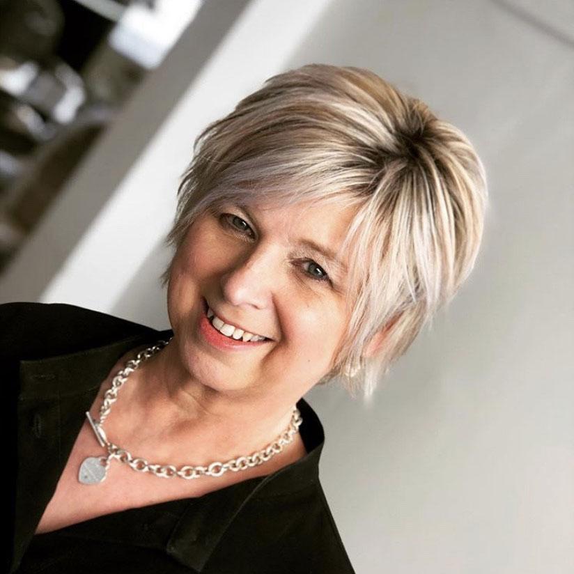 Louise : Salon Owner